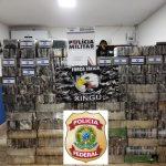 POLICIAIS MILITARES DO 10° COMANDO REGIONAL EM OPERAÇÃO INTEGRADA COM A POLÍCIA FEDERAL PRENDEM SUSPEITO COM 770 TABLETES DE CLORIDRATO DE COCAÍNA EM CARRETA